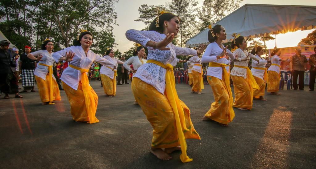De traditionele Kecak dansvoorstelling